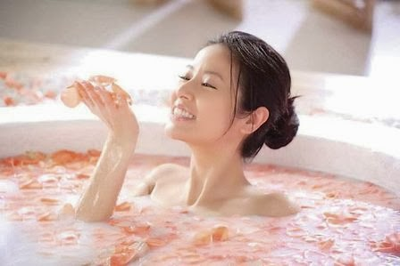 Giảm cân bằng vỏ bưởi với cách tắm hoặc xông hơi